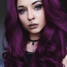 - 2016 Winner of the NYLON magazine beauty hit list for BEST HAIR COLOR! - Vegan formula colors and conditions hair. - Manic Panic Hair color is ready to use, do not mix with peroxide. Hair Color Dark, Ombre Hair Color, Hair Color Balayage, Cool Hair Color, Dark Hair, Haircolor, Color Red, Brown Ombre Hair, Purple Hair