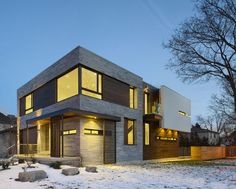 Canada-based Alva Roy Architects completed the design of the Garden Void House, a contemporary residence in Toronto