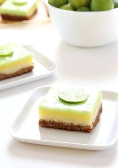 These gluten free key lime pie bars start with a super simple graham cracker crust, filled with a key lime custard—and topped with a tart and tangy key lime curd. It's like lemon curd, but made with key lime juice instead. Mini Key Lime Pies, Key Lime Pie Bars, Best Key Lime Pie, Gluten Free Sweets, Gluten Free Baking, Dairy Free Recipes, Gf Recipes, Rhubarb Recipes, Vegan Sweets
