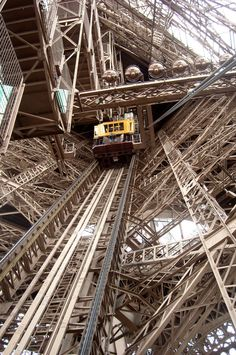 Ascenseur, Tour Eiffel, Paris