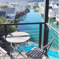 A room with a (spectacular) view. Knysna, Garden Route, Outdoor Tables, Outdoor Decor, Hotel Pool, Open Plan, Outdoor Furniture, Living Room, Luxury