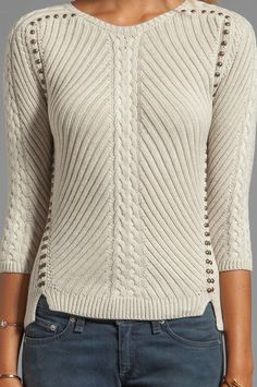 Autumn Cashmere Studded Rib Cable Crew Sweater en Chanvre | REVOLVE