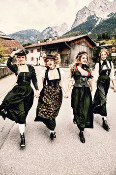 Баварские фантазии в эротических фотографиях Эллен фон Унверт 6