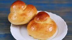 Come preparare Brioches col tuppo col Bimby della Vorwerk, impara a preparare deliziosi piatti con le nostre ricette bimby