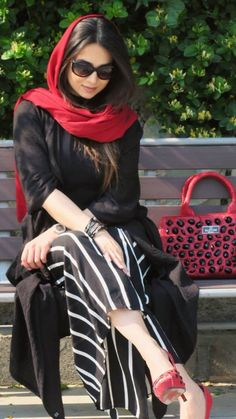 Iranian women are using Fashion in protest to wearing hijabs by force . Abaya Fashion, Muslim Fashion, Modest Fashion, Fashion Dresses, Fashion Kids, Star Fashion, Womens Fashion, Fashion 2020, Girl Fashion