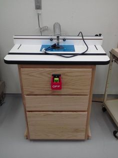 "Mobile Router Table Base (LIKE THE IDEA OF THE CABINET ""FEET"")"