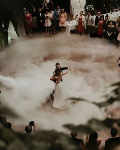 First dance What a stunning shot by . ♡ First dance 💕 What a stunning shot by 📸. Wedding Goals, Wedding Planning, Dream Wedding, Wedding Day, Magical Wedding, Best Wedding Ideas, Wedding First Dance, Enchanted Forest Wedding, French Wedding