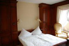 Hotel room Free Photo