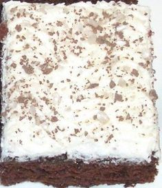 Minunkin piti kokeilla paholaisen piirakkaa.... Baking Recipes, Cake Recipes, Dessert Recipes, Desserts, Sweet Bakery, Cake Bars, Yummy Cakes, Sweet Recipes, Food To Make