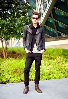 How to wear brown shoes with black pants for men (15)