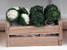 Cauliflower And Broccoli In Wooden Crates (FD68) - Food and Drink. Over 10,000 similar dolls house miniature products available from www.thedollshousestore.co.uk