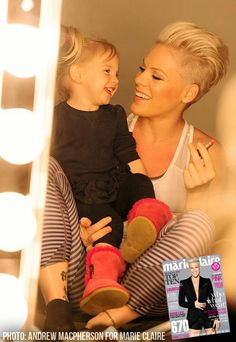 P!nk and Willow, this has to be one of the cutest pictures!