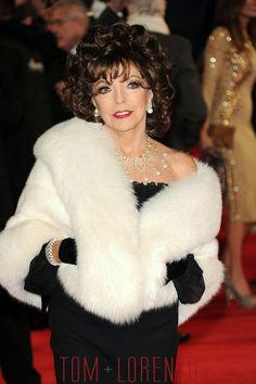 Joan-Collins-Spectre-Royal-World-Premiere-Fashion-Tom-Lorenzo-Site (1)