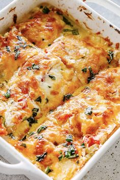 Zucchini Tomato Casserole - Layers of baked Zucchini and Tomatoes coated with a creamy cheesy blend and loaded with flavor! Serve it as a tasty appetizer side dish or a delicious vegetarian dinner. Zucchini Tomato Casserole, Vegetable Casserole, Cheesy Zucchini Bake, Vegetarian Casserole, Chicken Tomato Casserole, Veggie Dishes, Vegetable Recipes, Vegetarian Recipes, Vegetarian Appetizers