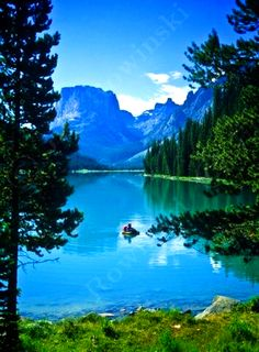 Upper Green River Lake, Wind River Range, Wyoming, most relaxing beautiful place to be in the whole world – Donna Ragsdale - LessBo Ideas Beautiful World, Beautiful Places, Amazing Places, Nature Photography, Travel Photography, Green River, Green Lake, Vacation Spots, Beautiful Landscapes