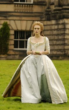 Keira Knightley as Georgiana, Duchess of Devonshire in'The Duchess' 2008. That liner makes this dress delicious!