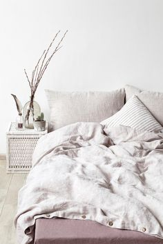 This classic and clean cotton linen duvet is the ultimate excuse to stay in bed all day. cc @etsy @linentales #etsyhome #ad