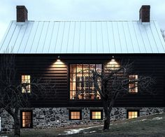 Stone Barn, Kate Johns AIA . http://www.katejohnsaia.com/renovations-vintage-barn.php