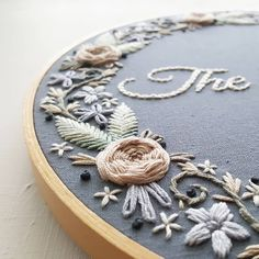 """Polubienia: 1,946, komentarze: 31 – Jessica Long (@namaste_embroidery) na Instagramie: """"I am so happy with how this custom anniversary hoop turned out. I will be adding this design as an…"""""""