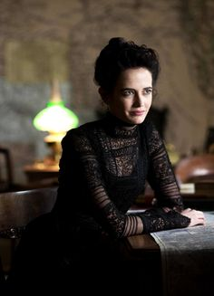 Vanessa Ives was a character on Showtime's Penny Dreadful. She is portrayed by starring cast star Eva Green. Penny Dreadful Tv Series, Eva Green Penny Dreadful, Penny Dreadfull, Actress Eva Green, City Of Angels, Star Cast, French Actress, Movie Costumes, Woman Crush