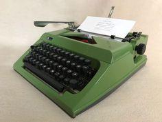 Schreibmaschine Sigma SM 1000 um 1981 grün mechanical portable typewriter