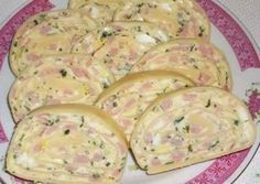 Falls ihr nicht wisst, was ihr zum Frühstück oder Abendbrot essen wollt, macht… If you do not know what you want to eat for breakfast or supper, make this simple warm bread filled with egg, cheese and ham. Slovak Recipes, Czech Recipes, Ethnic Recipes, No Salt Recipes, Cooking Recipes, Food 52, Good Food, Brunch, Food And Drink