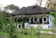 Imagini pentru casa traditionala romaneasca Style At Home, Building Plans, Building A House, Visit Romania, Eastern Europe, Traditional House, Home Fashion, My House, Beautiful Homes