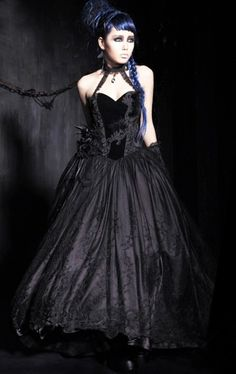 Cheap dress skeleton, Buy Quality gown dress up directly from China gown uk Suppliers: Baroness Black Feather Gothic Corset Prom Dresses 2017 Halter Neck Lace Appliques Ball Gown Velvet Long Evening Party Gowns Gothic Mode, Gothic Lolita, Gothic Art, Gothic Beauty, Dark Beauty, Gothic Girls, Tribal Fusion, Steampunk, Dark Black