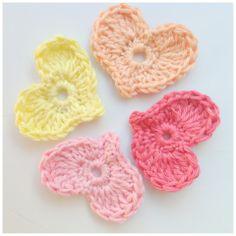 gehaakte hartjes - crocheted hearts -free pattern written in Dutch