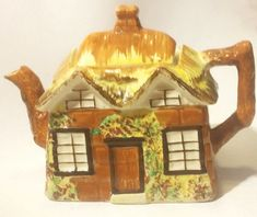 "England PEK Price Kensington ""Ye Ole Cottage Ware"" Tea Pot with Lid  #EarlyFederal"