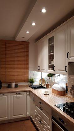 home and interiors Kitchen Room Design, Modern Kitchen Design, Home Decor Kitchen, Interior Design Kitchen, Home Kitchens, 1960s Home Decor, Small Apartment Kitchen, Cuisines Design, Kitchen Remodel