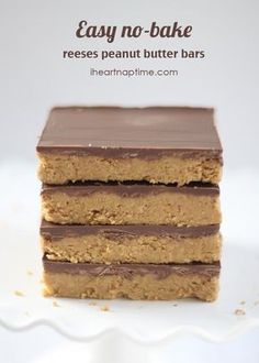 Easy no-bake chocolate peanut butter bars on iheartnaptime.com ...these are…