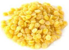 Cera d'Api -  La cera d'api è usata in commercio per creare eleganti candele, cosmetici e prodotti farmaceutici ,  per lucidare scarpe, come componente delle cere modellanti e in vari altri prodotti.  E' conosciuta come E901. In campo cosmetico la Cera Alba viene inserita in numerose preparazioni tra cui, stick labiali, emulsioni A/O ed O/A. In stick e unguenti è presente in percentuali comprese fra il 5 ed il 15%, mentre nelle emulsioni è impiegata fra il 2,5 ed il 5%.