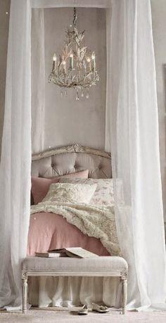 5 Tips On How To Make Your Bedroom Feel More Romantic * 5 Dicas Para Tornar O Seu Quarto Mais Romântico - by http://home-styling.blogspot.pt