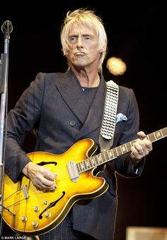 Paul Weller - The Modfather and his epiphone. The Style Council, Paul Weller, Motor Scooters, Epiphone, Viera, Punk Rock, Bbc, Guitars, Musicians