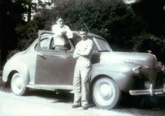 """James Dean and his high school friend Hanson Leach with Hanson's 1941 Ford, Fairmount, Indiana in """" James Dean Car, James Dean Photos, Hollywood Actor, Golden Age Of Hollywood, Rebel Without A Cause, Jimmy Dean, Old Movie Stars, Dazed And Confused, Ford"""