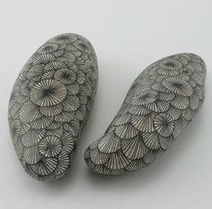 decoration - www. Pebble Painting, Pebble Art, Stone Painting, Rock Painting, Zentangle, Deco Surf, Deco Nature, Creative Workshop, Rock Design