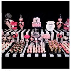 Black, white & pink candy buffet