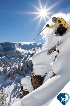 Aspen, Estados Unidos, es un paraíso para los amantes del esquí y los deportes de aventura localizado en uno de los sistemas montañosos más conocidos del mundo: las Montañas Rocosas. Pero Aspen es también mucho más que eso gracias a una intensa vida cultural, una variada programación de eventos y una ciudad que mantiene el encanto de las ciudades del Oeste americano.