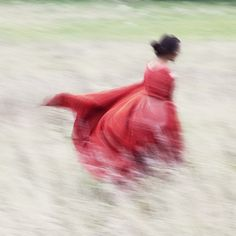 //blur :: woman in red Art Quotidien, Robert Frank, Out Of Focus, Foto Art, My Favorite Color, Ethereal, Fairy Tales, Art Photography, Photos