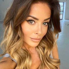 Magda Pieczonka (@magdapieczonkamakeup) • Zdjęcia i filmy na Instagramie My Hair, Long Hair Styles, Beauty, Instagram, Fashion, Moda, Fashion Styles, Long Hairstyle, Long Haircuts