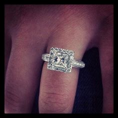 this looks extremely similar to my ring.. I love it! <3