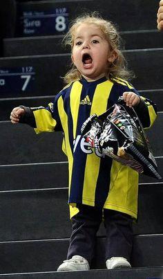 Little girl in stadium. #Fenerbahçe #UltrasWorld