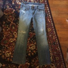 Citizens of Humanity 27 Flared, pre-owned, some wear, size 27 but no stretch -will best fit a size 26 Citizens of Humanity Jeans