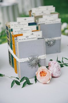 book escort card display @weddingchicks