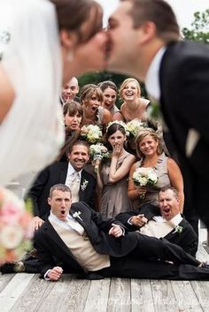 Must-have wedding photos wedding party group shot with romantic kiss. Gallery of absolutely must-have wedding photos to have in your wedding pictures album. Build your checklist and share these with your wedding photographer. Funny Wedding Poses, Wedding Picture Poses, Wedding Photography Poses, Wedding Humor, Wedding Pics, Dream Wedding, Wedding Ideas, Party Photography, Wedding Gallery