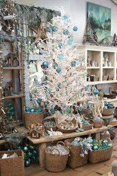 Coastal Christmas! I love this shop. I wish it was close by.