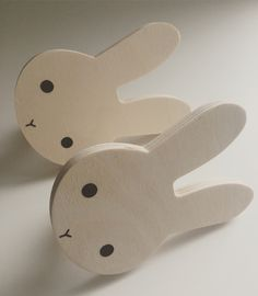Bunnyhooks  Hop hop hop over to Hos Ted & Lilly