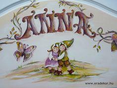 A tulajdonos keresztneve a fejtámlán - Anna névreszóló tömörfenyő indásvirágos-manós mintával festett fehér gyerekágy. Fotó azonosító: AGYANN35 Anna, Princess Zelda, Character, Lettering