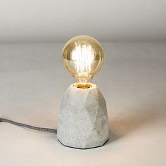 s.LUCE Plinth / Tischleuchte aus Beton / Ø 11 cm / grau / Tischlampe